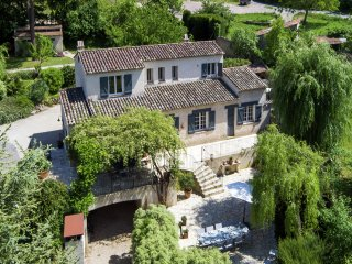 Le Mas du vieux lavoir - Country-style renovated villa with private pool on beautiful private domain