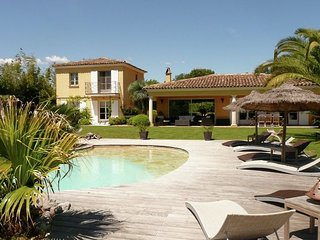 Villa les Palmiers - Mediterranean villa, located at the foot of the village of