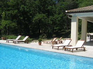 Villa Pernes les Fontaines - Beautiful spacious villa in a wooded area of ​​Pernes-les-Fontaines