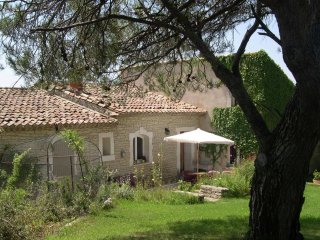 Les Esclargades - Typical Provencal house with a private swimming pool, only 1200 m from Lagnes