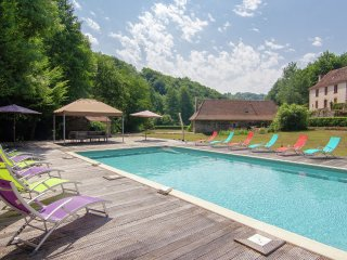 Moulin du Bouc - Two authentic holiday homes on a magnificant spot with private heated pool., Saint-Medard-d'Excideuil