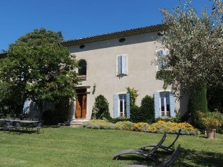 Les Cedres - Beautiful Bastide 19th amid a hectare of land planted with vines and olive trees with private pool.