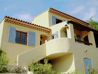 Villa Beach - Villa with private pool within walking distance to beach and