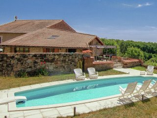Domaine de Bellac - Magnificent property with two heated pools near a beautiful