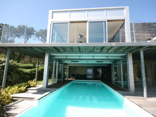 Bay View - Modern villa with sea views, pool and jacuzzi on the Crozon Peninsula