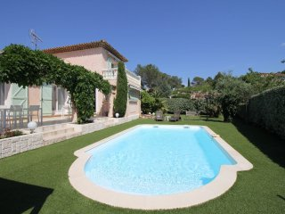 Le Val d'Or - Provencal house with pool, 1 km from a golf course and 4 km from
