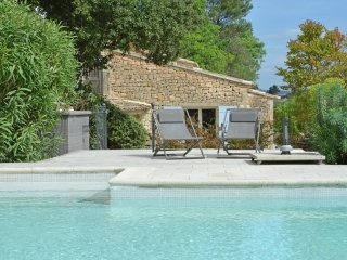 Mas Menerbes - Villa with guesthouse and private pool within walking distance