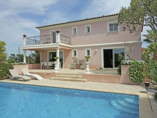 Villa Belrose - Luxury villa with private pool and beautiful flowery garden, 2 km from the Mediterranean Sea