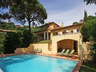 Croix Valmer Heights - Mediterranean villa with private pool and panoramic views. A short distance from town and Sea