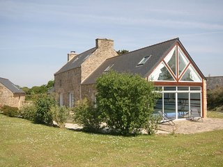 L'Estuaire - Spacious, comfortable house with heated indoor pool and a spacious