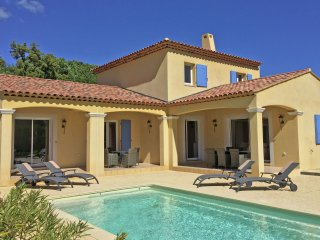 Villa Dumas 8 person - Modern villa with a private pool and airco, fantastic views over the vineyards