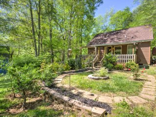 Cozy Barnardsville Home w/Deck & Yard by Asheville