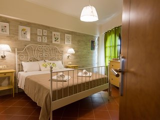Castello Domus,neo classic sea view apartment