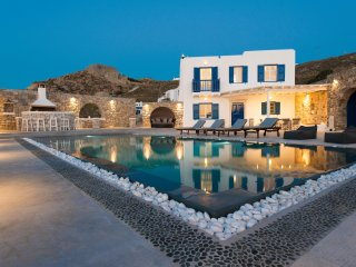 Villa In Mykonos With Magnificent Sea View