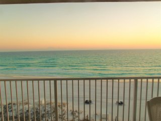 B402 The Beach House.  Directly on the beach, beautiful balcony view!