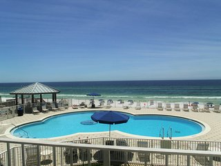 BeachHouse Condo-204C*Gulf Front!*Destin*Pools