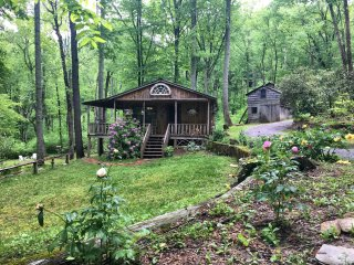 Kumbaya Cabin at Amadell Retreat