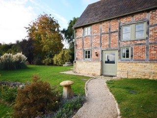 GOSHE Cottage in Tewkesbury, Ashton Under Hill