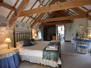 Stable Cottage Nr Newport, Newport -Trefdraeth