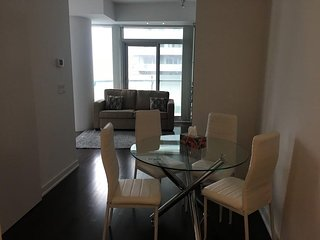 Aaira Suites 1 Bedroom Luxury Condo Near Union Station/ACC and Rogers Centre