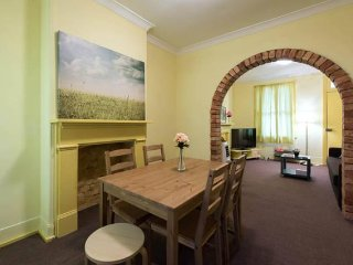 ✈Next to CBD - Cosy & Comfy 2Bedroom Terrace House