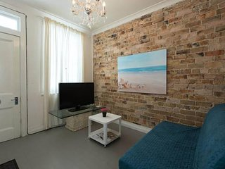 ✈Prime Location - Central 2 Bedroom Terrace House