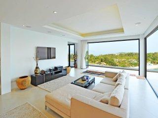 Villa Tasanee - 6 BR Luxury Villa