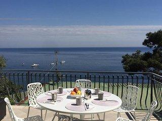 Casa Vespucci, panoramic modern apt, 100 mt from the sea, Marina del Cantone