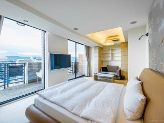 [1403] Deluxe apartment w/nice view