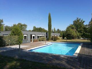 Villa 300 m2 avec piscine sur 1 ha au coeur des vignobles de Bordeaux