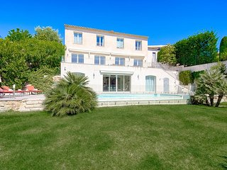 SUPERB VILLA IN CANNES~V51