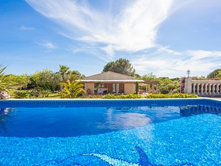 BELLA AUBA - nice house with pool in Muro for 4 people