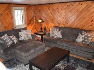 Cozy Cabin in Pittsburg Village