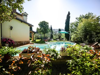 Villa Louise Umbria✭Private Pool- 48inch Sky TV-Antiques✭