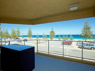 Beachfront Stay Scarborough Beach