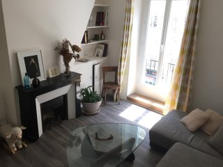 Montmartre-South Pigalle Cosy&bright 50m2 flat