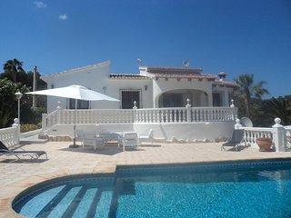 Luxury Villa  A/C  Wi Fi  Own Pool  Sleeps 6   -  Nr Calpe  -  ** JULY  REDUCED*