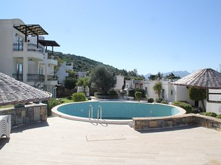 Bodrum Bitez Garden Floor Apartment Near The Beach With Swimming Pool # 490