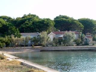 Apartment Rino near the sea, island Pag, Croatia