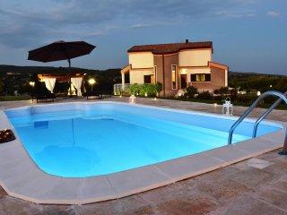 Casa vacanza 'Alba Rupestre' Matera, con piscina, giardino e vista panoramica