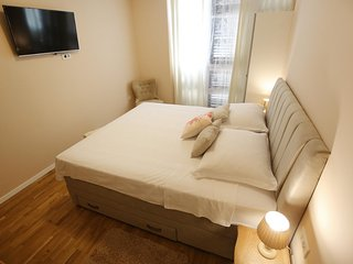 La - La  Rooms