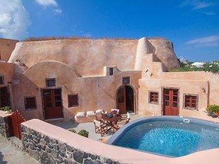 Villa Amalia sleeps 9 by Thireon, Oia