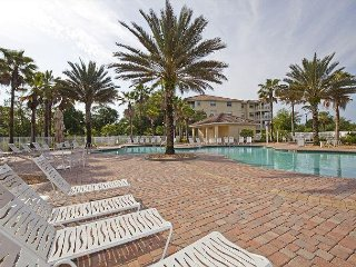 Beautifully furnished 3rd floor condo with Intracoastal views!!