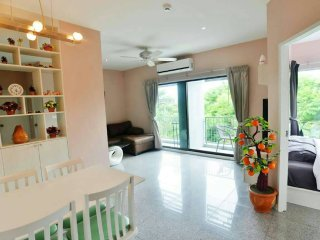 Tree Boutique - New 2 bed in the heart of city 310, Chiang Mai