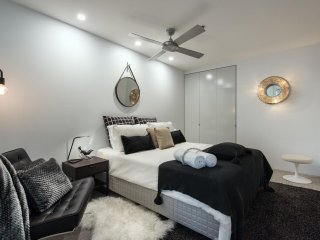 Chic 2 Bed Views Darlinghurst TT407
