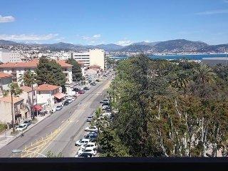 Nice  Promenade des Anglais vue panoramique, pres: aeroport Jardin public  plage