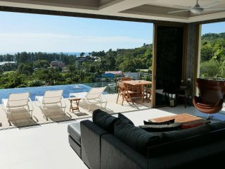 Naithon Beach Oceanview 3 Bed Villa
