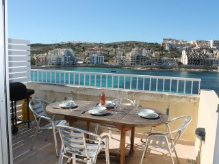 BlueHarbour Penthouse With Terrace St'Paul's Bay 6