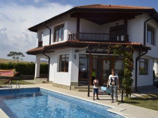 2 BDR Seaside Villa with private pool & garden near Nesebar & Sunny Beach