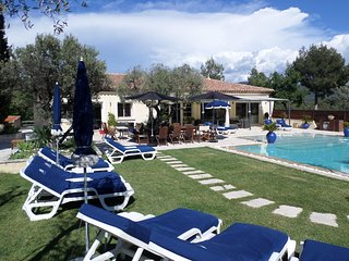 villa avec piscine chauffe le castellet circuit paul ricard Var